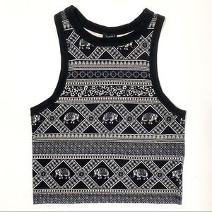 FOREVER 21 - Graphic Crop Top